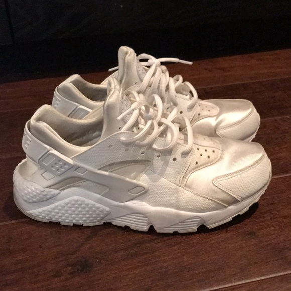 Zapatos Nike Huarache Huarache Nike Todo Blanco Poshmark c98d05